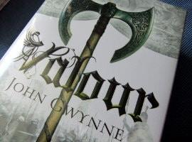 Neu eingetroffen: Valour (von John Gwynne)