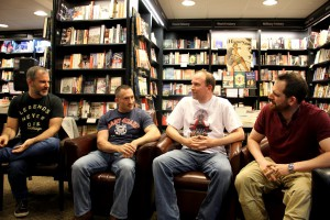 Peter V. Brett, Myke Cole, Mark Lawrence und Joe Abercrombie diskutieren am 2. Grim Gathering in London-Kensington