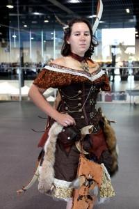 Eine Bogenschützin am LONCON